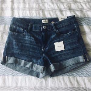 🆕 Sneak Peek Cuffed Denim Shorts